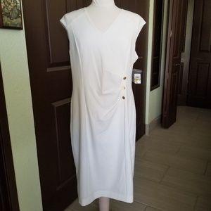 Ellen Tracy Sleeveless White Dress Gold Buttons